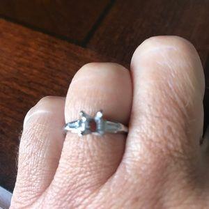 Jewelry - Platinum antique engagement ring